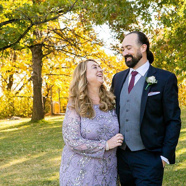A simple, gorgeous backdrop for family photos on a perfect October morning. #boulderwedding #boulderweddingphotographer  #coloradowedding