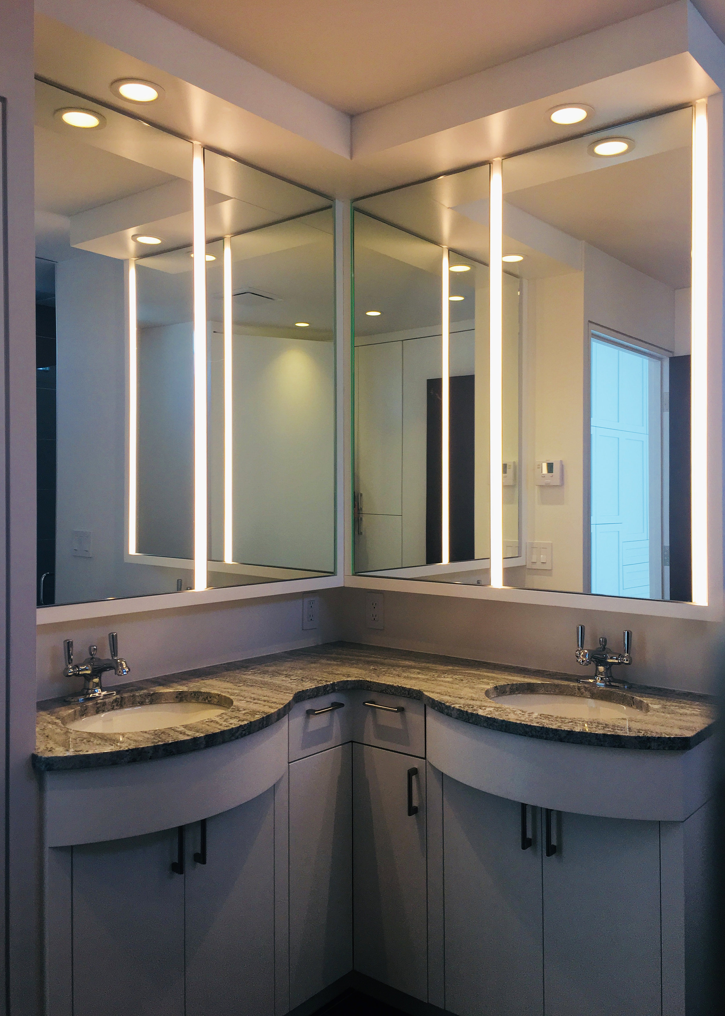 1203 - BATHROOM.jpg