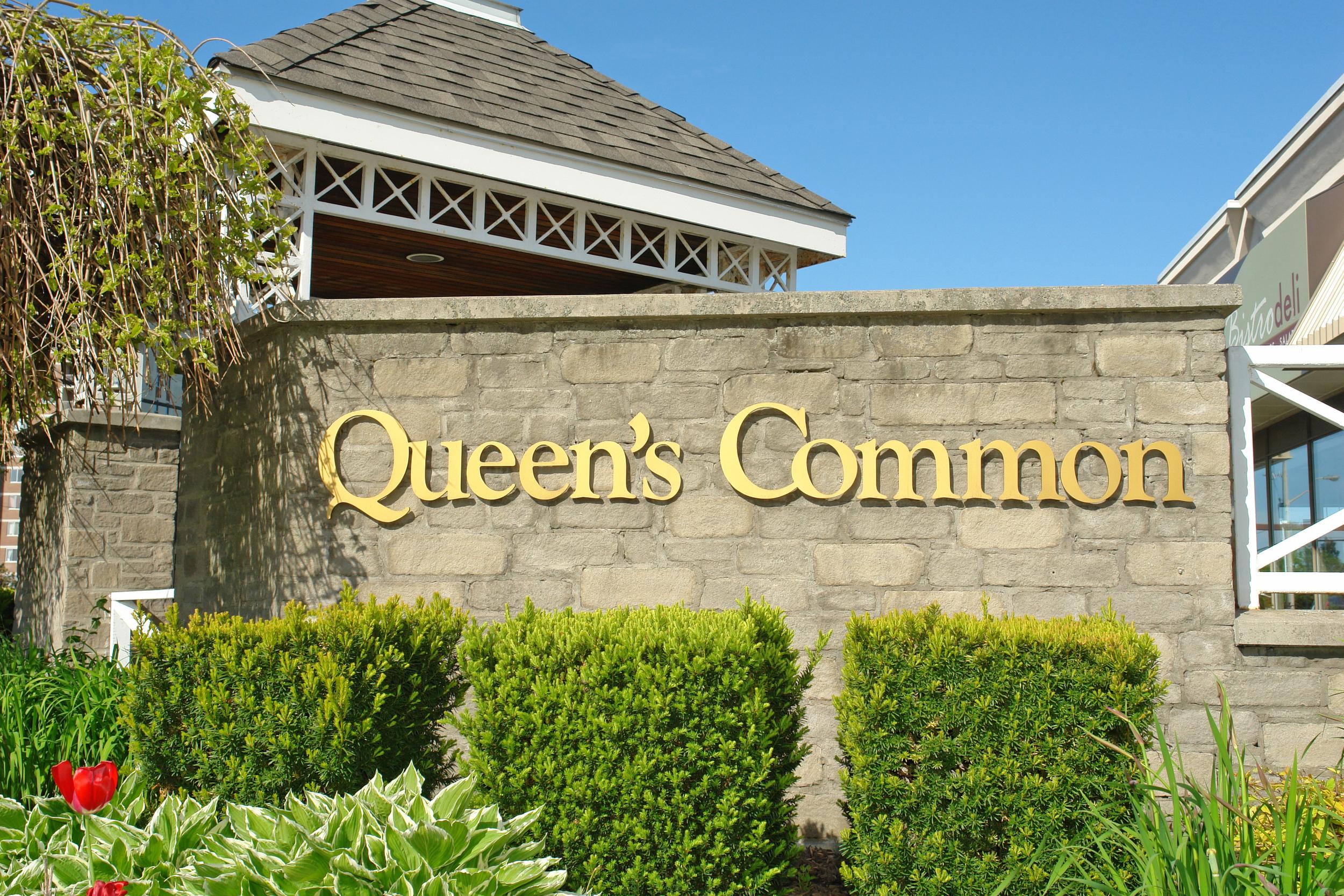Queen's Common Sign.JPG