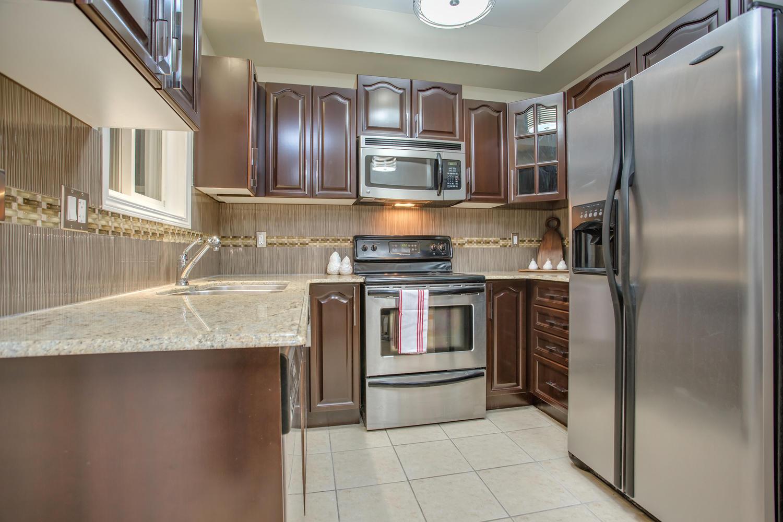 928 Ormond Dr Oshawa ON L1K-large-028-30-Kitchen-1500x1000-72dpi.jpg