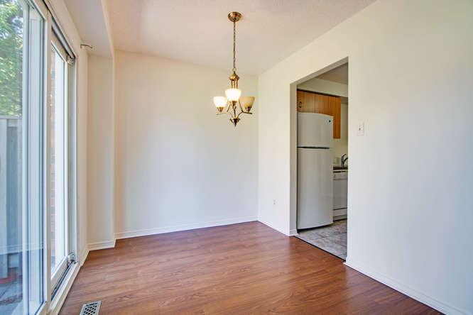 10 Bassett Blvd TH212 Whitby-small-019-1-Dining Room-666x444-72dpi.jpg
