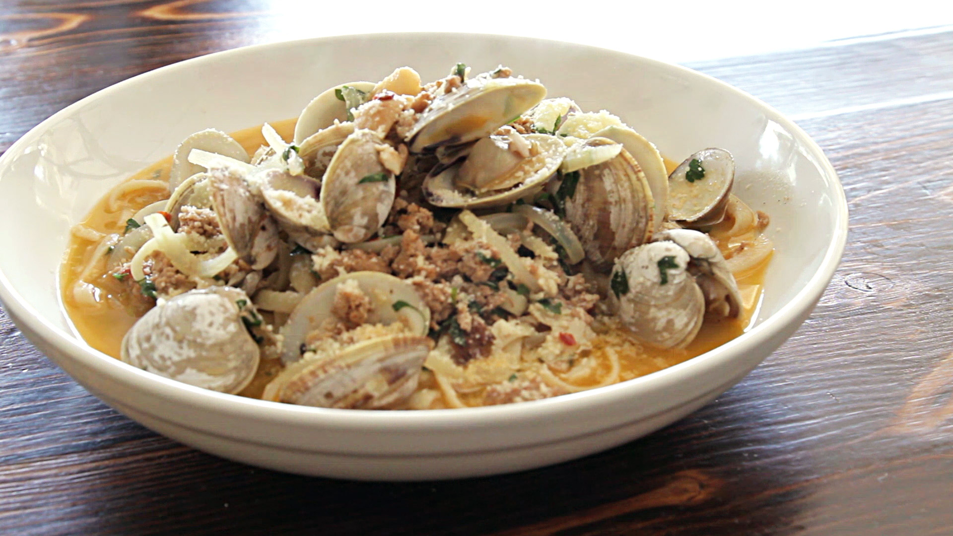 LUPO'S LINGUINI AND CLAMS