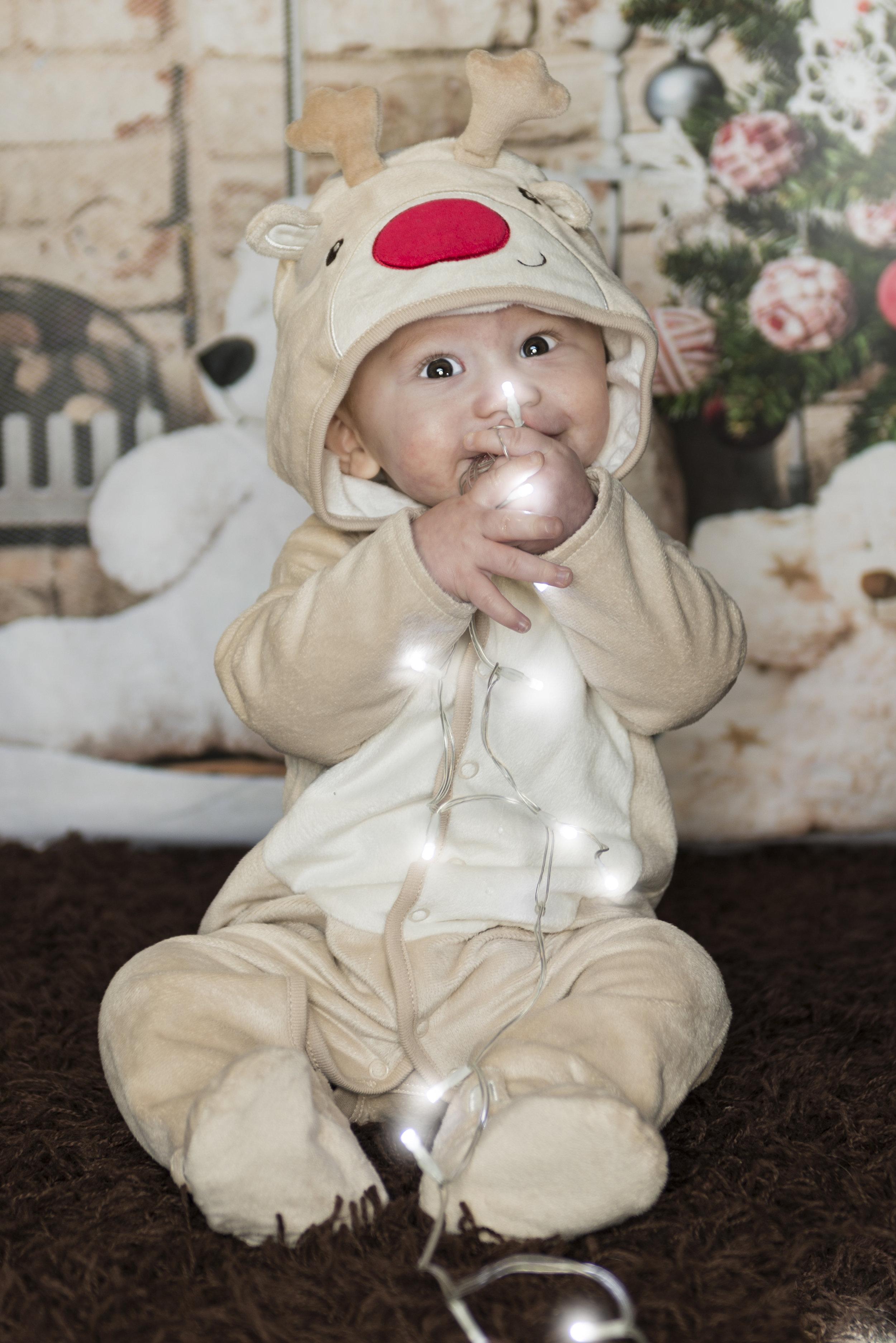 FIRST CHRISTMAS - LOUIS 2.jpg