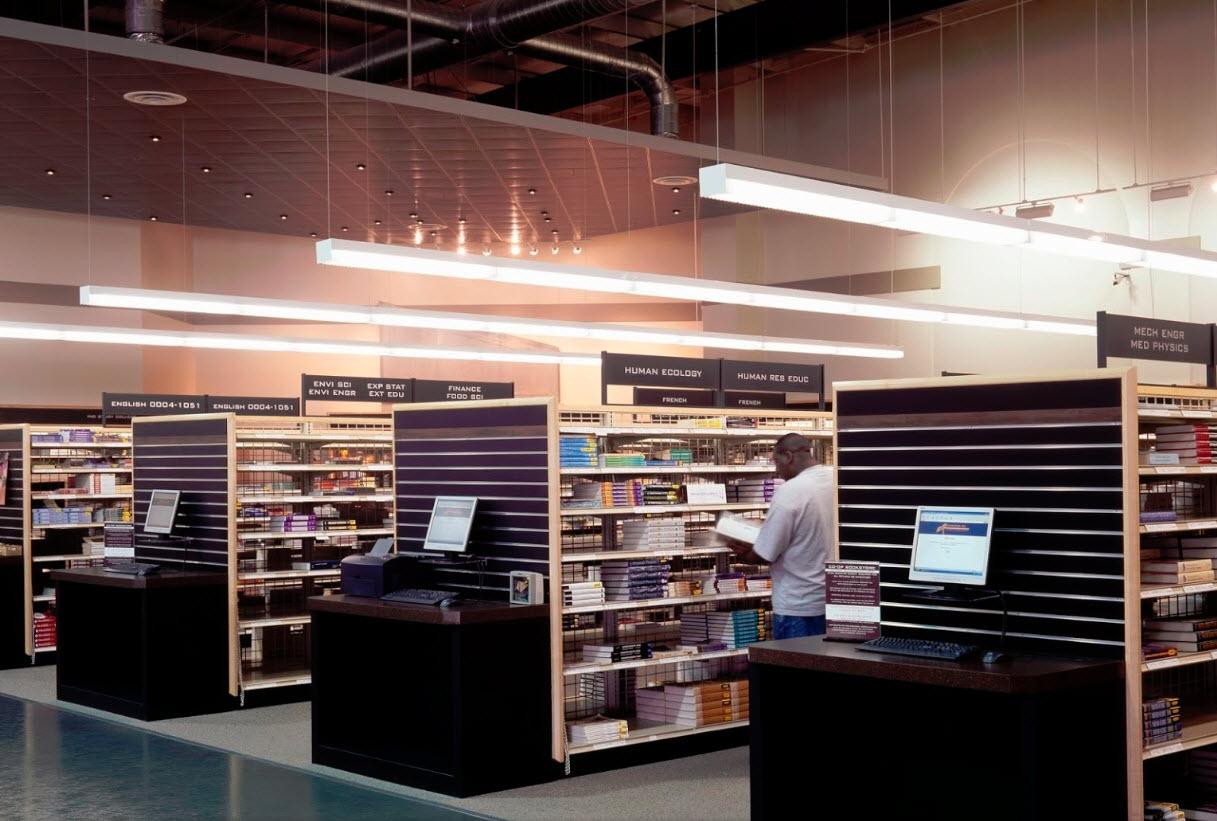 3960 Burbank interior 2.jpg