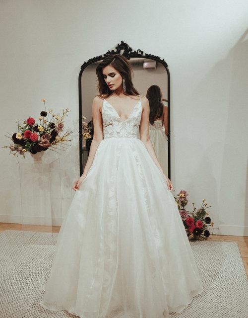 modern-classic-wedding-dress.jpg