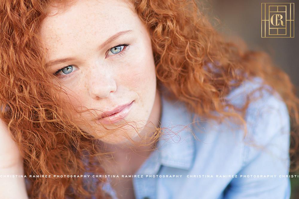 senior photographer natural makeup