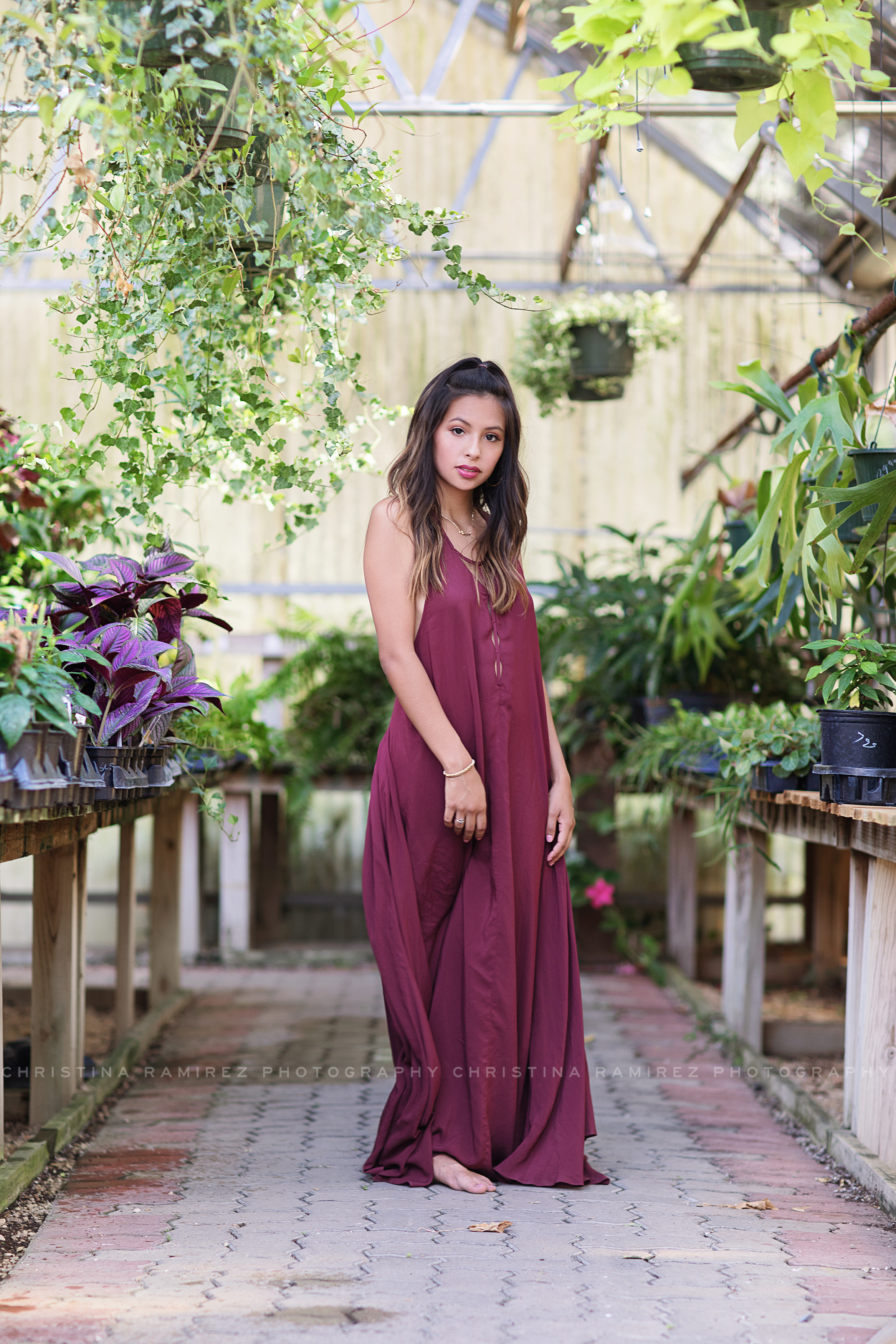 greenhouse senior portraits 38504