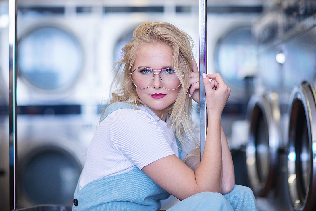 laundromat senior portraits laundromat editorial - christina ramirez photography