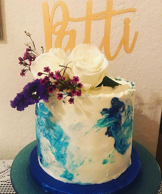HAPPY BIRTHDAY MOM  #houstoncakes #thevelvetcrumb #oceancake #marblebuttercream