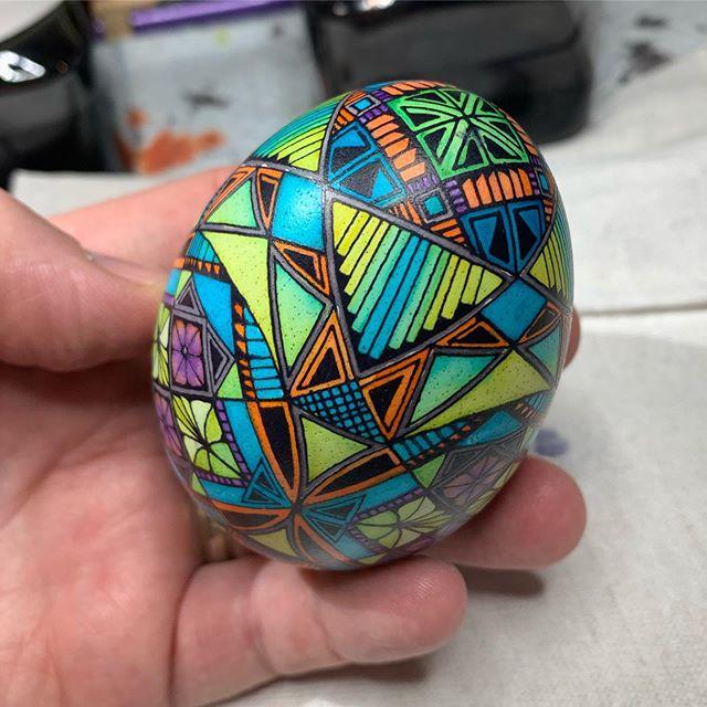 The unveiling #batikeggsbymark #goose #egg #pysanky #pisanki #eggart some #circles and #squareshape #midcenturymodern #colorschemes #modern #design #borealisgreen ,#crownpurple with #monarchorange and #glacierturquoise #ukrainianeggcessories @ukrainianeggcessories #dyes :) #clevelandartist #cle lots of #lines #stainedglass effect #orcablack