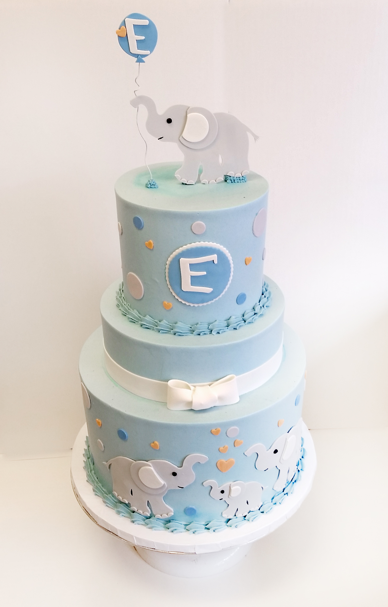elephant tiered buttercream cake.jpg