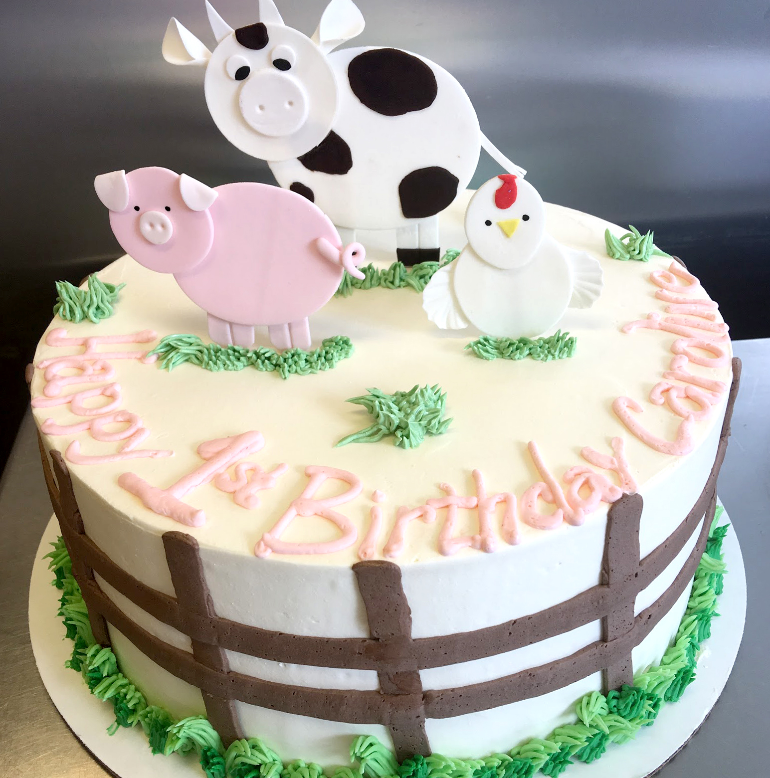 Farm Animals flat fondant buttercream.jpg