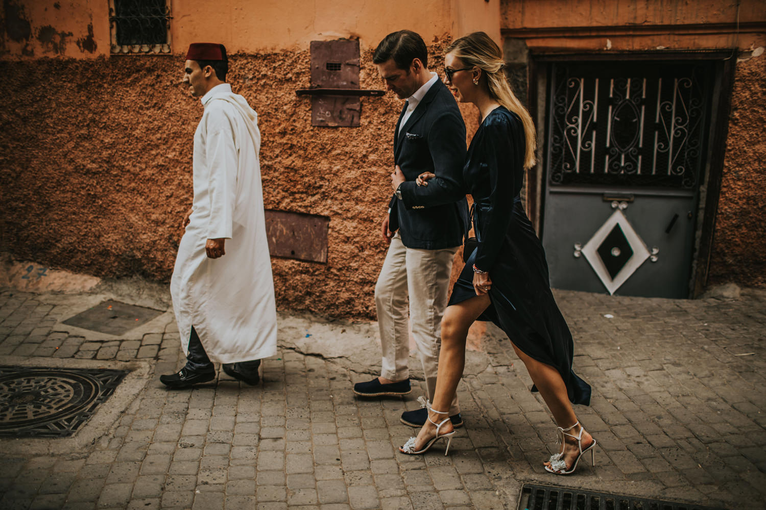 marrakesh medina couple
