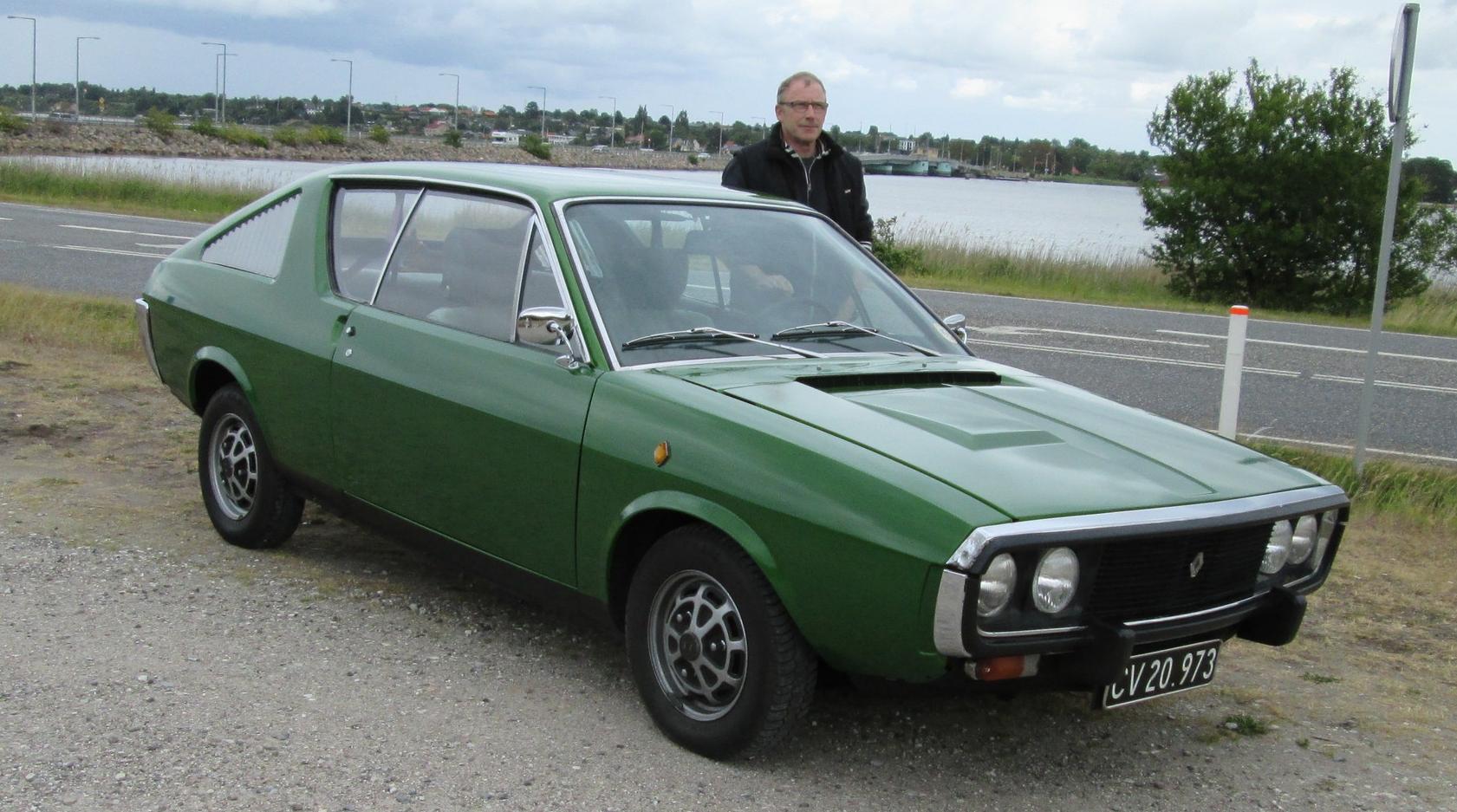Denne dejlige R17TL årg. 1972 tilhører Steen Poulsen, der stod i lære hos aut. Renault-forhandler Gert Nielsen i Frederikssund – netop da R15/17 kom frem i de farverige 1970´ere!