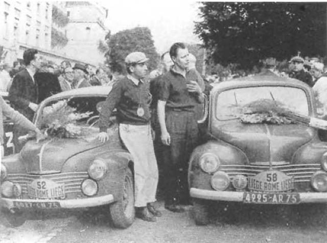 1954: Paul Condrillier & Jean Hébert i nr. 52 og Jean Rédélé & Louis Pons i nr. 58 med biler og blomster efter succes i Liege – Roma – Liege-løbet i 1954. Grundlaget for Rédélés senere satsning på Alpine-fabrikken byggede på erfaringerne fra de mange løb med den pumpede 4 CV. (Foto: http://luiscezar.blogspot.dk )