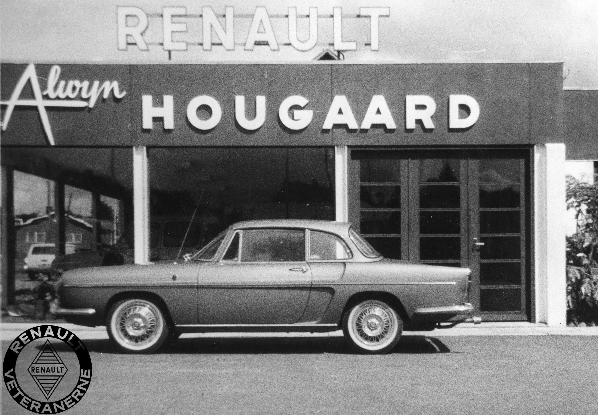 """Efter overgangsmodellen Floride S med den nye """"Sierra motor"""" fra R8 var præsenteret i 1962 ændrede Renault året efter bilens modelnavn til Caravelle på det europæiske marked. Navnet havde dog allerede været benyttet fra introduktionen i 1959 på det amerikanske marked. Den største synlige ændring var et nyt tagdesign med en mere stejl bagrude."""