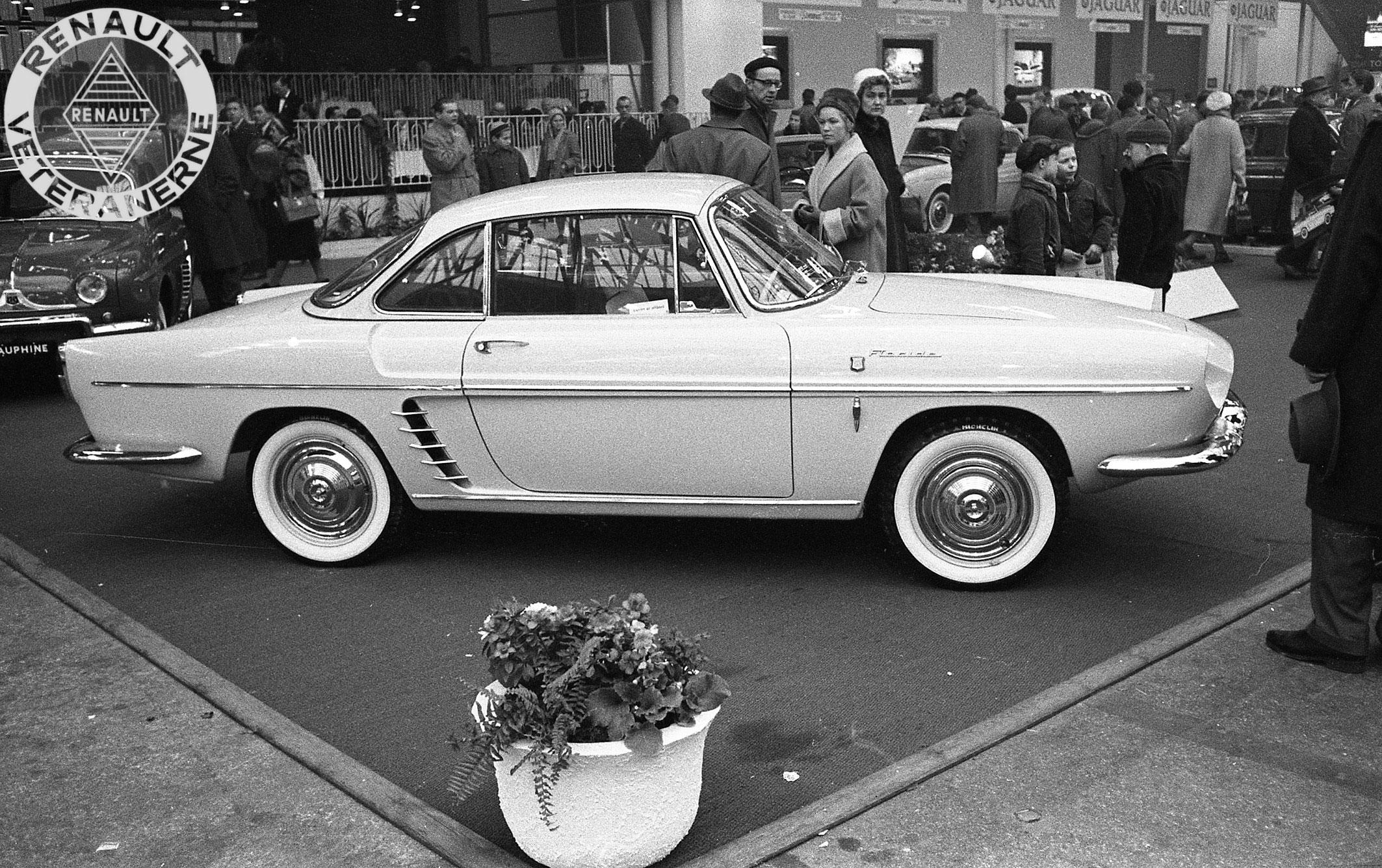 Floride introduceres i Fyns Forum i 1960. Bemærk det dansk monterede Ermax blinklys under det fabriksmonterede.