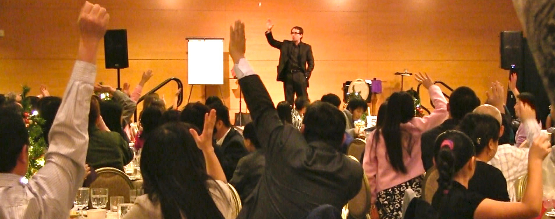 San Jose magician with corporate crowd
