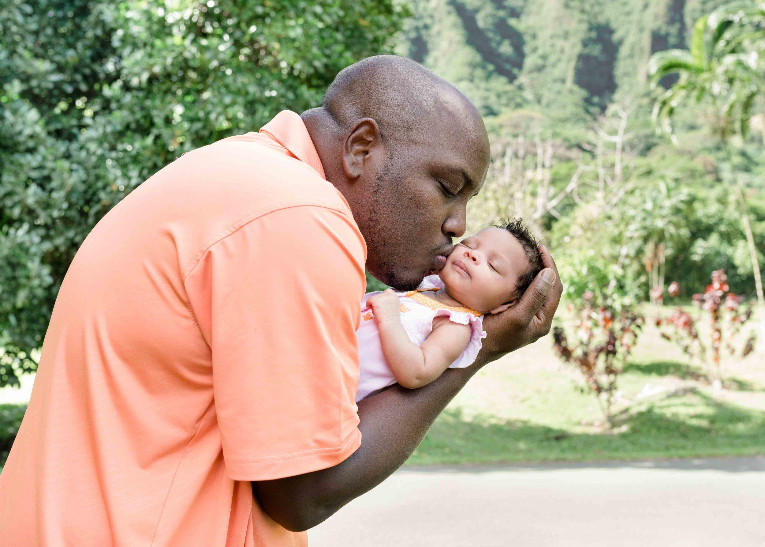 Oahu-newborn-family-photographer