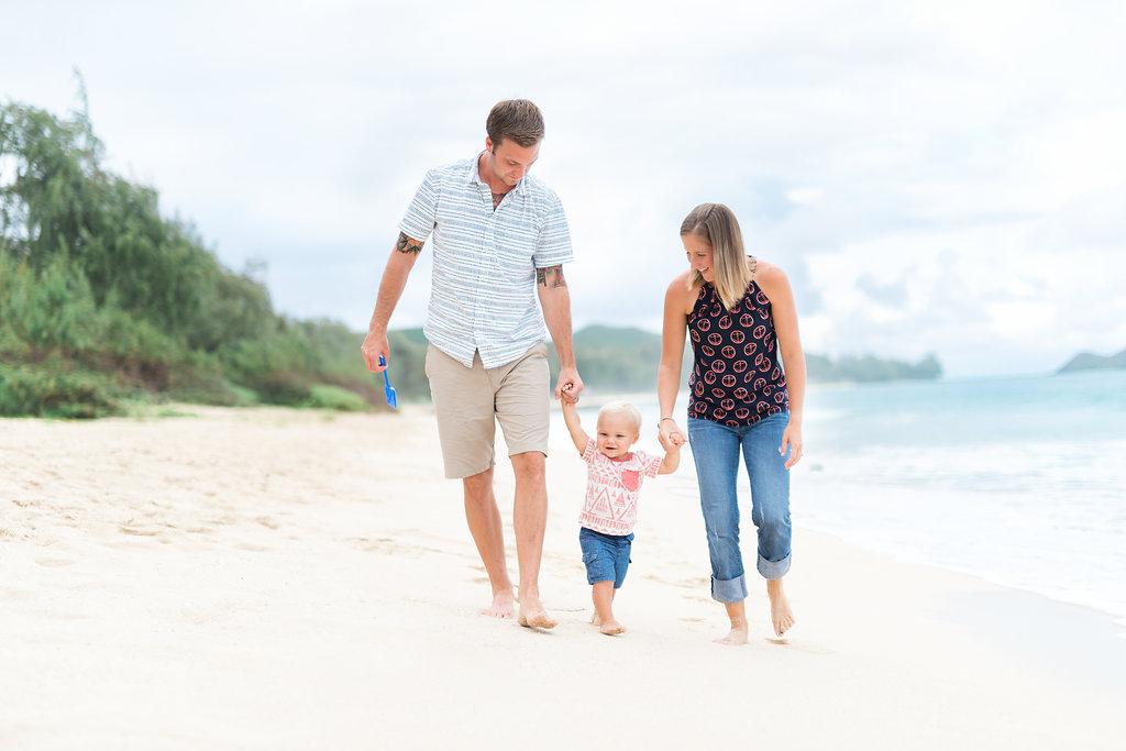 Oahu Family Photographers  | Family Walking on Beach