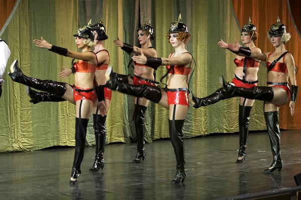 Cabare Women dance4.jpg