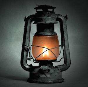 kerosene-lamp2-alice-key-studio-pixabay.jpg
