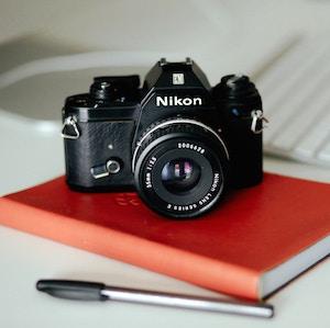 nikon-camera-lilly-rum-unsplash.jpg