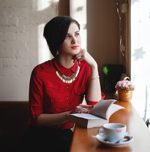 lady-looking-thoughtful-alexander-solodukhin-unsplash.jpg