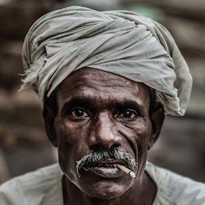 amazing-portrait-old-man-cigarette-swapnil-dwivedi-unsplash.jpg