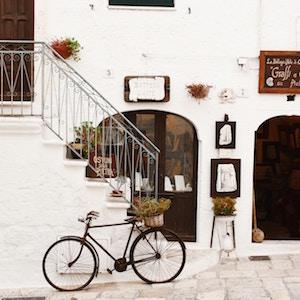traditional-bicycle-bogdan-dada-unsplash.jpg