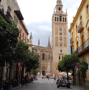 andalucian-street-scene-emphos-pixabay.jpg