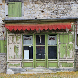 rustic-cafe-front-cocoparisienne-pixabay.jpg