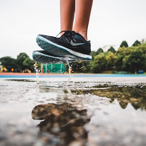 sneakers-and-feet-goh-rhy-yan-unsplash.jpg