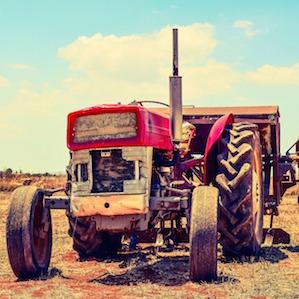 old-tractor-dimitrisvetsikas1969-pixabay.jpg