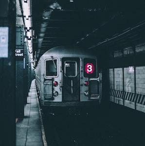 subway-train-andre-benz-unsplash.jpg