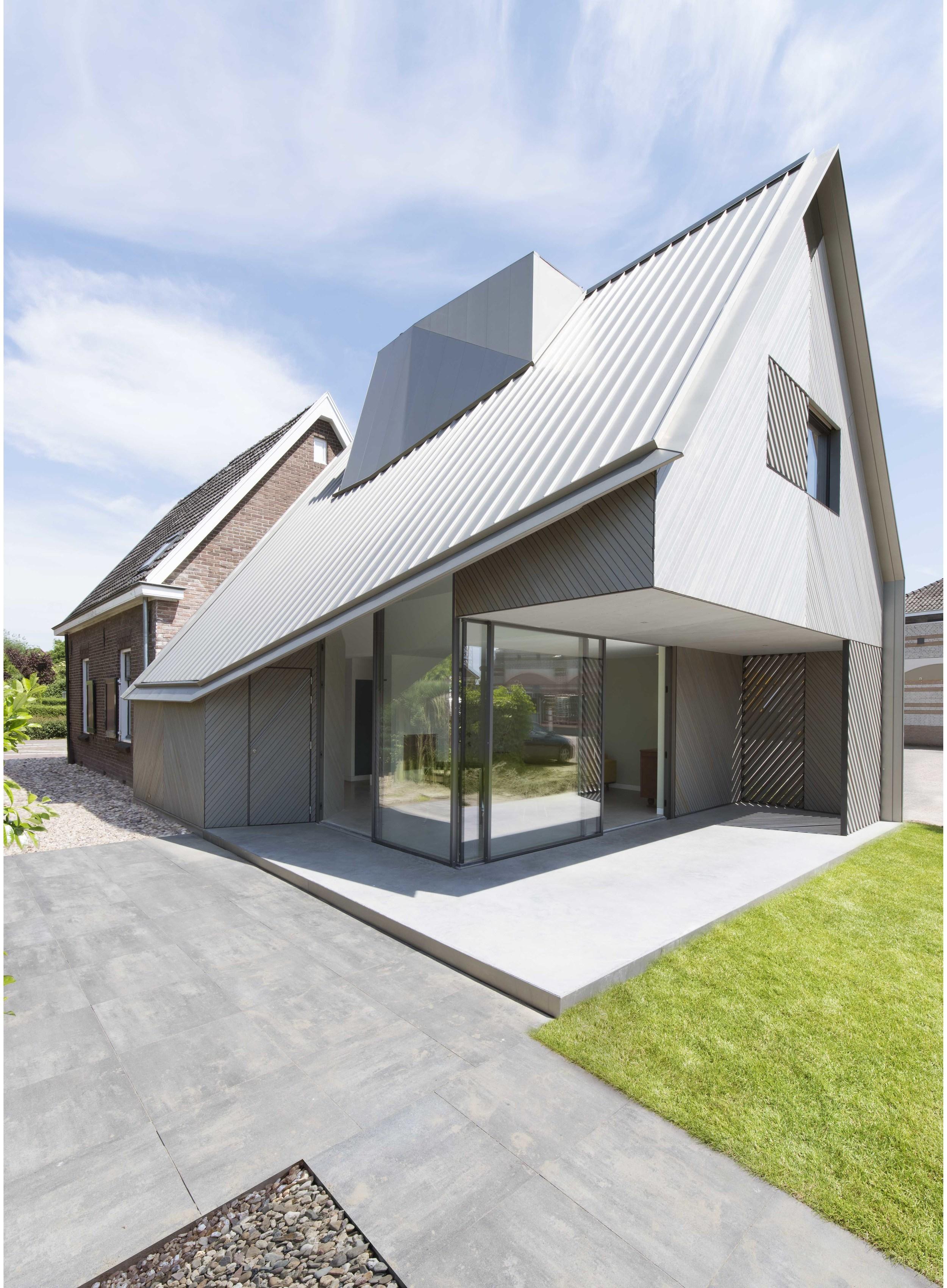 HOUSE W 01.jpg
