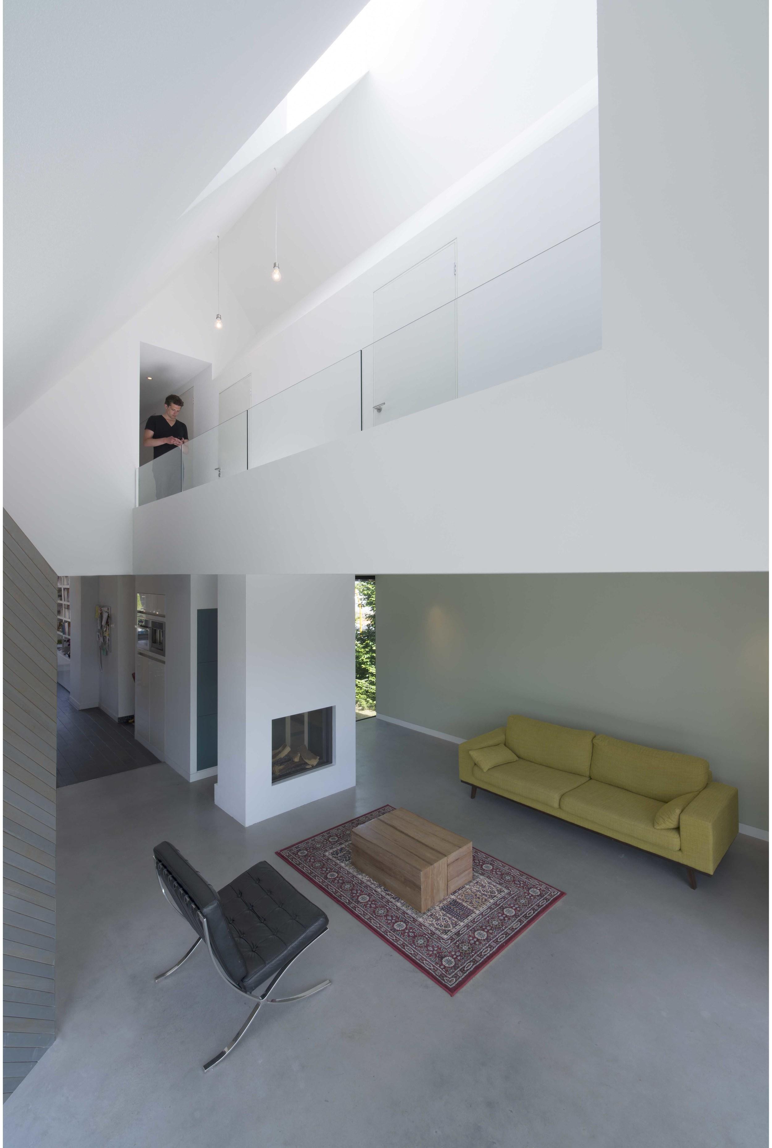 HOUSE W 06.jpg