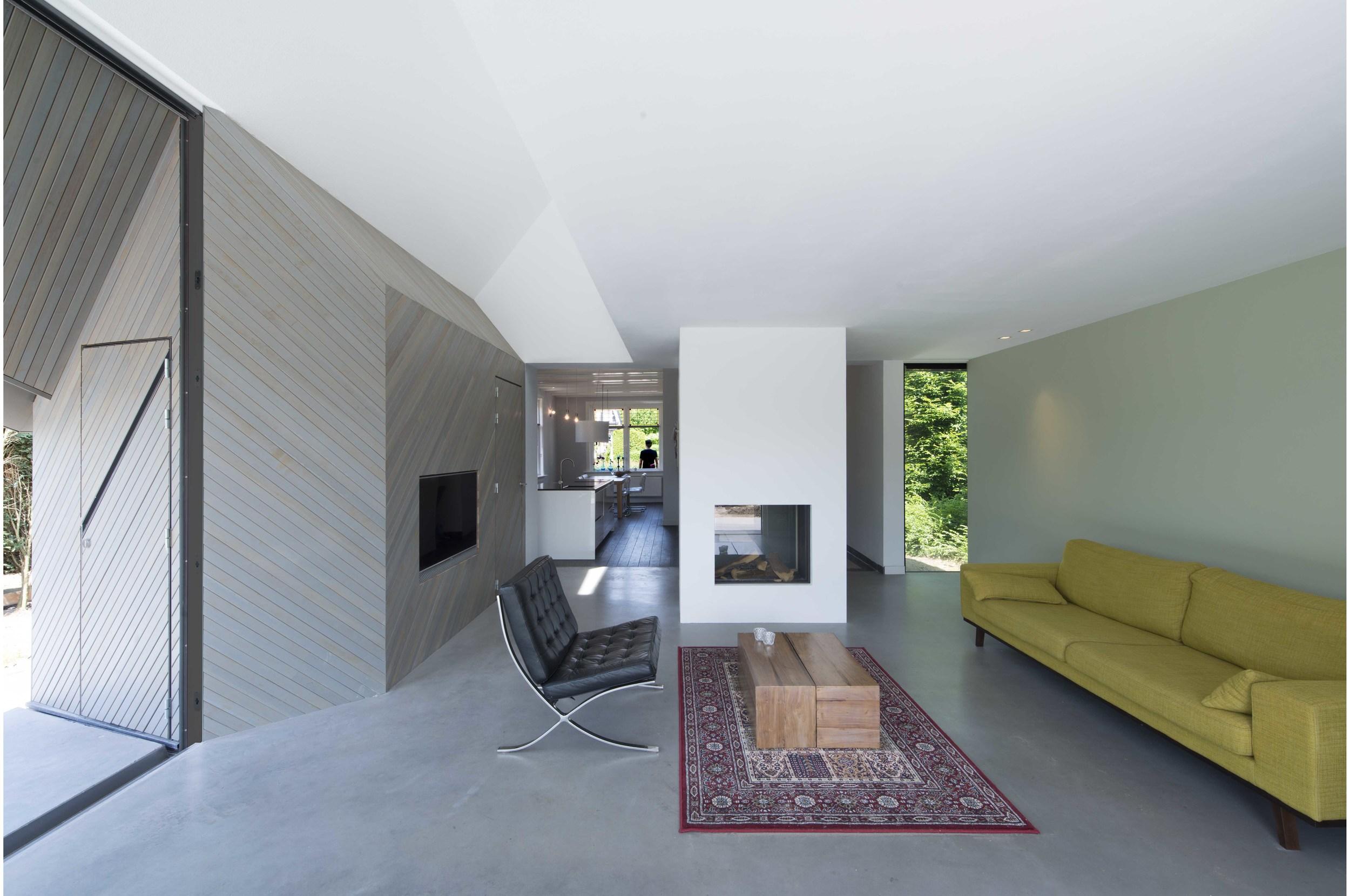 HOUSE W 07.jpg