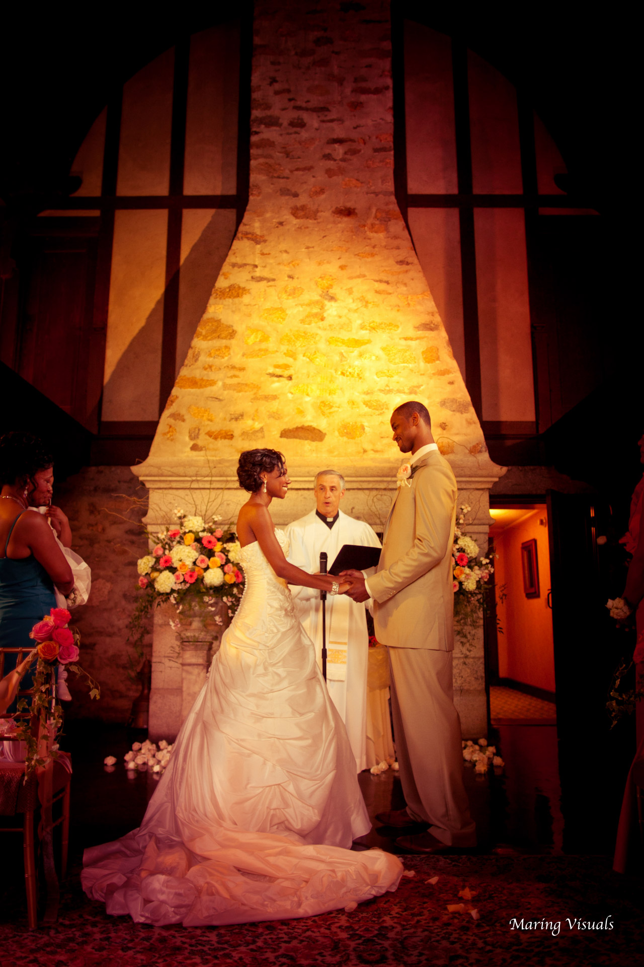 Wedding at Saint Clements Castle with Photography by Maring Visuals