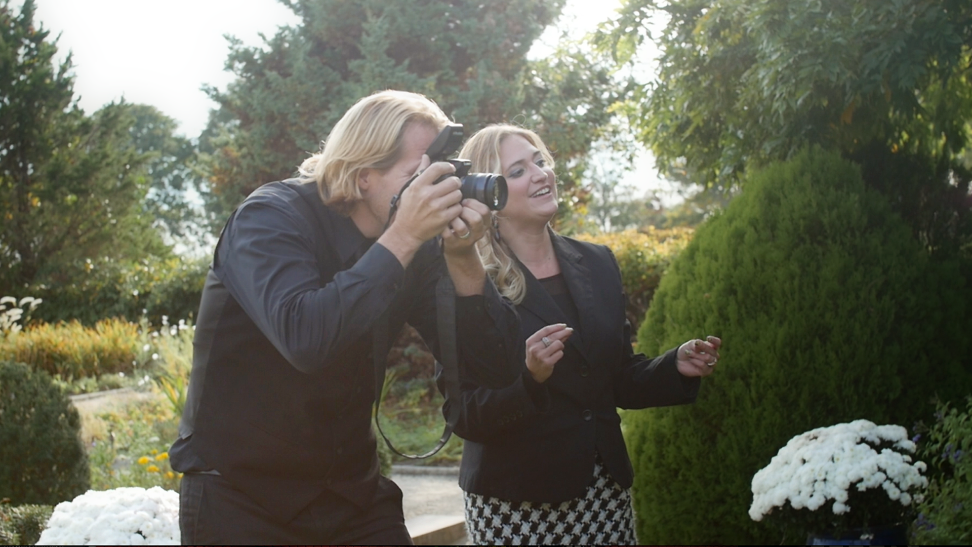 Charles & Jennifer working together to create beautiful wedding portraits of family and friends.