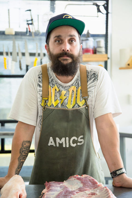 Ariel Argomaniz, Amics