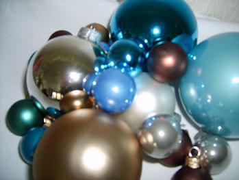 Assorted Ornaments - Colors 003.jpg