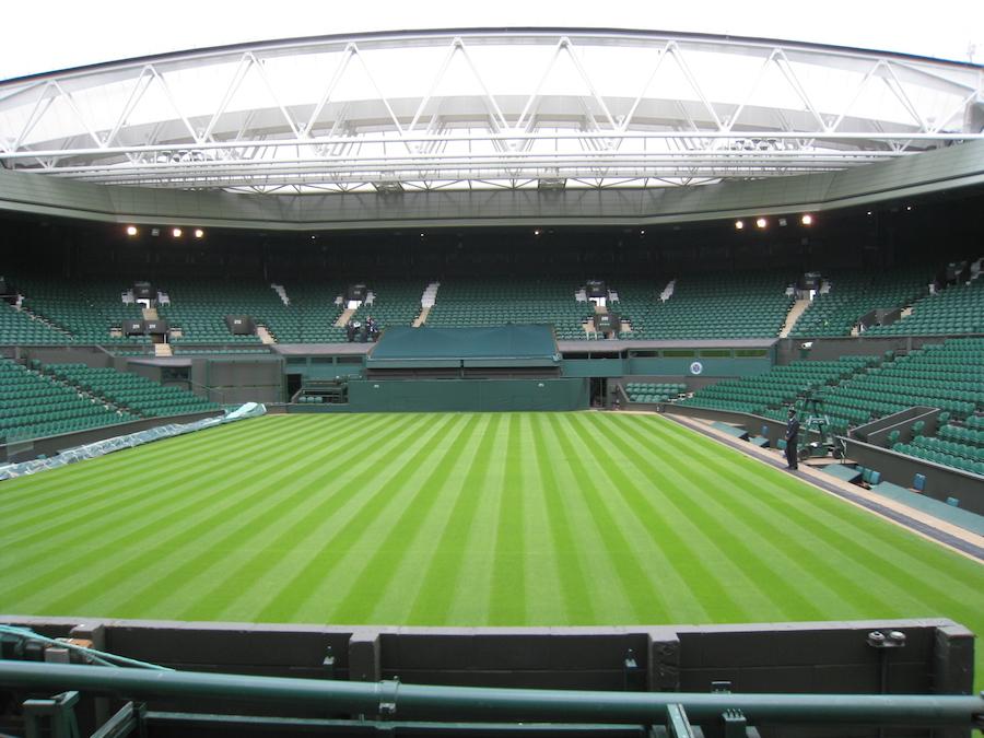 Wimbledon_Centre_Court_2009.jpg