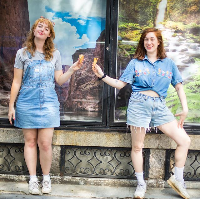 Swipe right to check out the stunning lineup for THIS SATURDAY's The Great Outdoors at 8pm in Prospect Heights (DM for address). don't swipe if you just wanna stare at my stunning calves. 📸: @bluvbot