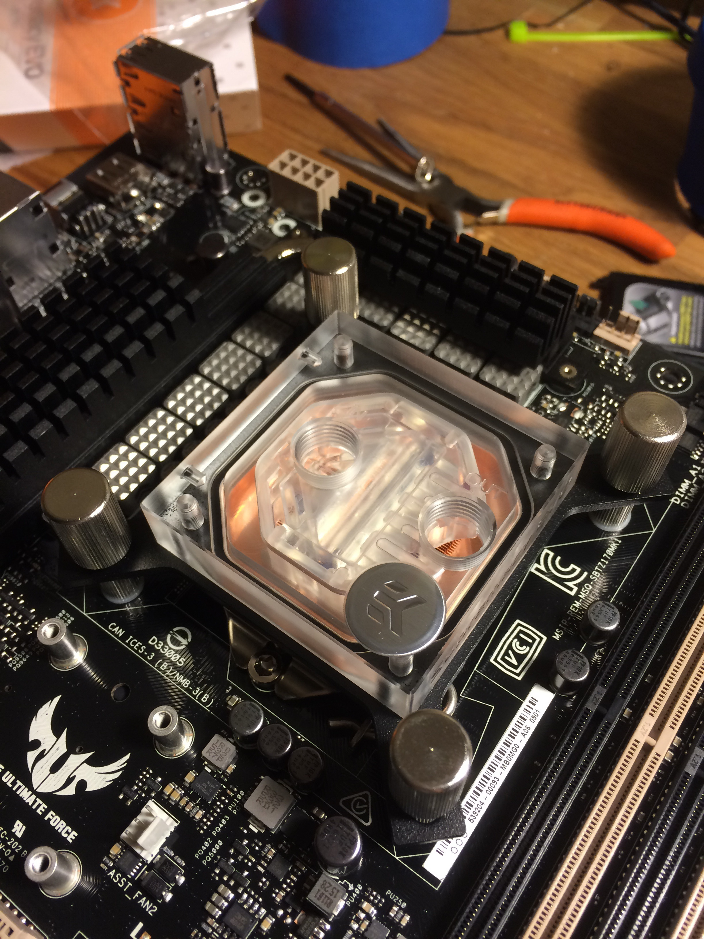 Thank you EK for making such a gorgeous CPU block. The plexi will showcase the fancy fluid that's in the mail.