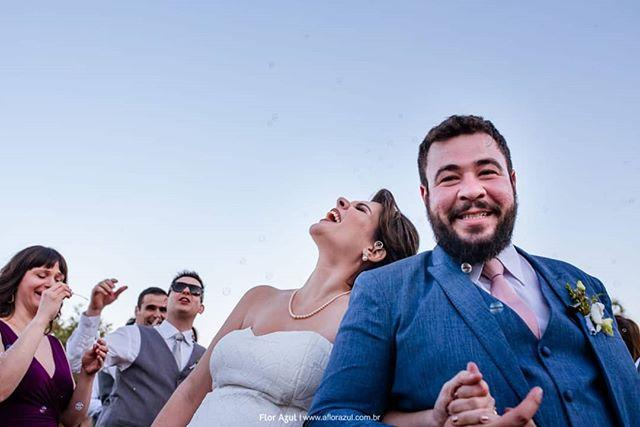 E a @gabilube explodiu de felicidade. - - #casededia #pelodireitodesepresentear  #casamentorustico  #casamentofloreursinho⠀⠀⠀ ⠀⠀⠀⠀⠀⠀⠀⠀⠀ #bestwedding⠀⠀⠀⠀⠀⠀⠀⠀⠀ #instabride ⠀⠀⠀⠀⠀⠀⠀⠀⠀ #eudissesim ⠀⠀⠀⠀⠀⠀⠀⠀⠀ #digasimassessoria⠀⠀⠀⠀⠀⠀⠀⠀⠀⠀⠀⠀ #sayido ⠀⠀⠀⠀⠀⠀⠀⠀⠀ #casar ⠀⠀⠀⠀⠀⠀⠀⠀⠀ #voucasar ⠀⠀⠀⠀⠀⠀⠀⠀⠀ #portrait⠀⠀⠀⠀⠀⠀⠀⠀⠀ #brideportrait ⠀⠀⠀⠀⠀⠀⠀⠀⠀ #fotografiadecasamento ⠀⠀⠀⠀⠀⠀⠀ #casamentolindo ⠀⠀⠀⠀ ⠀⠀⠀⠀⠀⠀⠀⠀⠀ #bestwedding ⠀⠀⠀⠀⠀⠀⠀⠀⠀ #noivos ⠀⠀⠀⠀⠀⠀⠀⠀⠀ #noivado ⠀⠀⠀⠀⠀⠀⠀⠀⠀ #fotografosdecasamento #documentarywedding #casamentonocampo  #noivas2019  #voucasar