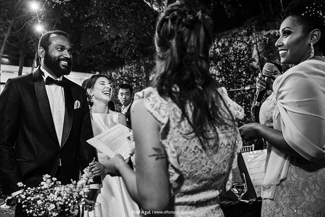 Do casamento de sábado,  quando os noivos colocam as irmãs para celebrar é um turbilhão de emoções,  risos ,choro,  e tudo fica mais lindo. - - #miniwedding  #noivosflorazul  #casededia  #casamentos2019  #sayido  #casamentorustico  #decoracaorustica  #noivas2019  #voucasar  #bride  #noivasdesp  #casamentoemsp  #casamentossp  #fotografiadecasamento  #fotografosdecasamento  #noivado #vestidodenoiva  #buquedenoiva  #casarcomemocao  #fotografiaverdadeira  #emoção