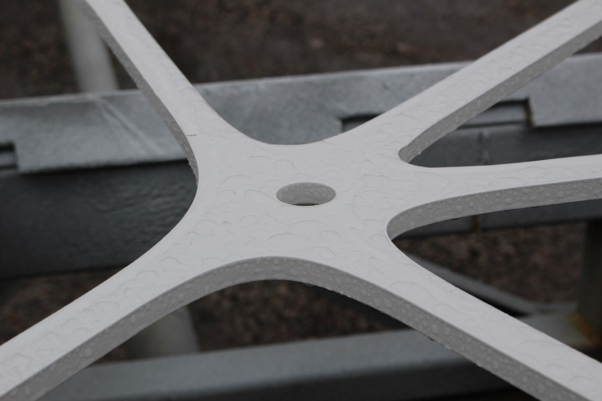 Light fixture node in Vertical Garden Steel