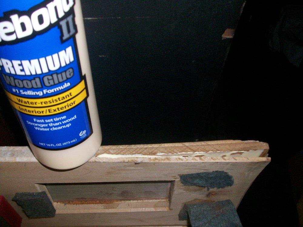Spreading glue