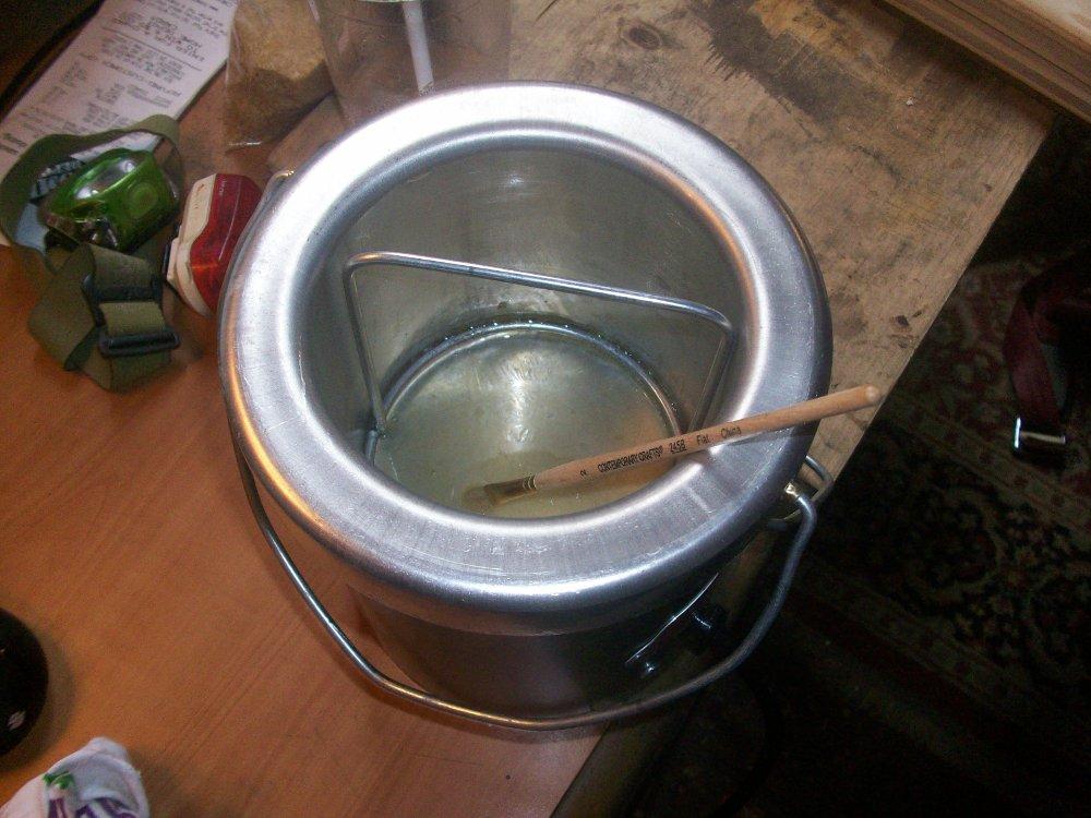 Hot glue pot
